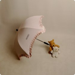 Stock Sombrilla rosa volante estampado